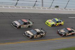 Dale Earnhardt Jr., Hendrick Motorsports Chevrolet, Ryan Newman, Stewart-Haas Racing Chevrolet, Brad