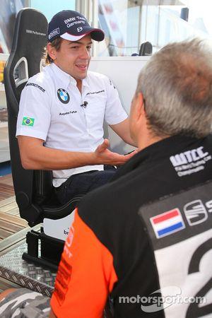 Augusto Farfus, BMW Team Germany est interviewé par Tom Coronel, Sunred Engineering de la télévision néerlandaise