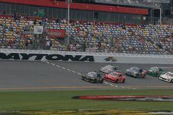 Départ du GT : #70 SpeedSource Mazda RX-8: Nick Ham, Sylvain Tremblay mène la danse
