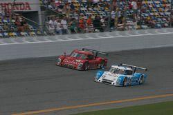 #01 Chip Ganassi Racing with Felix Sabates Lexus Riley: Scott Pruett, Memo Rojas et #99 GAINSCO/ Bob