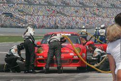 Arrêt pour la #64 JLowe Racing Porsche GT3: Jim Lowe, Jim Pace, Johannes van Overbeek