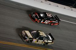 Ryan Newman, Stewart-Haas Racing Chevrolet, David Stremme, Penske Racing Dodge