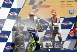 Podium : le vainqueur Dani Pedrosa, Repsol Honda Team, le deuxième Valentino Rossi, Fiat Yamaha Team