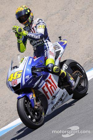 Valentino Rossi, Fiat Yamaha Team, fête sa deuxième place