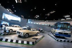 Visionaries: 1964 Mercedes-Benz 230 SL