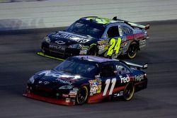 Denny Hamlin, Joe Gibbs Racing Toyota and Jeff Gordon, Hendrick Motorsports Chevrolet