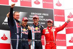 Podium: race winner Mark Webber, Red Bull Racing, second place Sebastian Vettel, Red Bull Racing, an