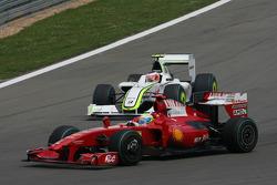 Фелипе Масса, Scuderia Ferrari, и Рубенс Баррикелло, Brawn GP