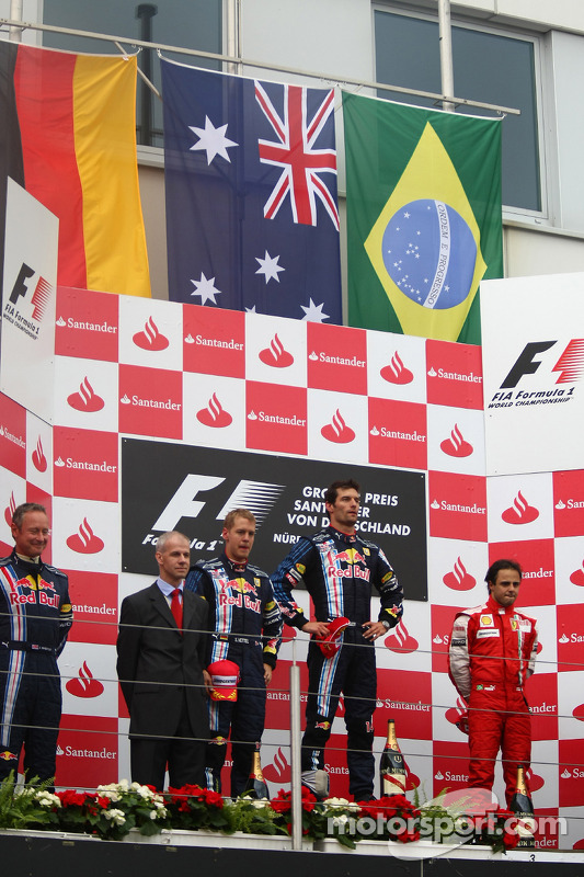 Podium: race winner Mark Webber, Red Bull Racing, second place Sebastian Vettel, Red Bull Racing, and third place Felipe Massa, Scuderia Ferrari