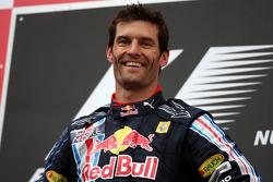 Podio: ganador de la carrera Mark Webber, Red Bull Racing