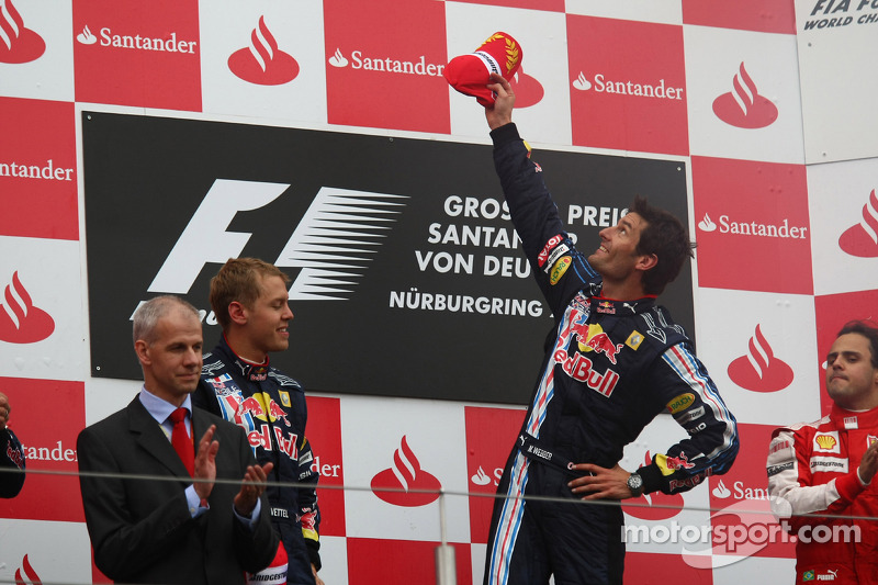 Podium: race winner Mark Webber, Red Bull Racing, second place Sebastian Vettel, Red Bull Racing, an