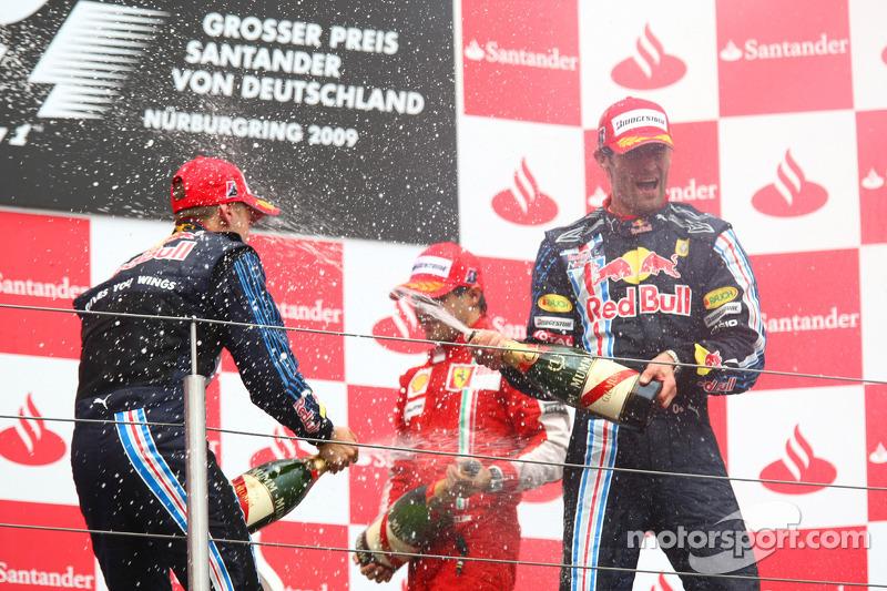 Вместе с австралийцем на подиум поднялись Феттель (для Red Bull Racing это был уже третий дубль в девяти гонках сезона, причем второй подряд) и Масса, финишировавший в первой тройке впервые в сезоне