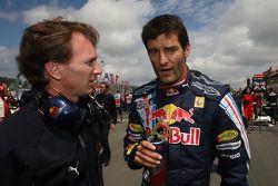 1. Mark Webber, Red Bull Racing, mit Christian Horner, Red Bull Racing, Sportdirektor