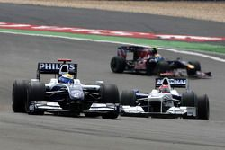 Nico Rosberg, Williams F1 Team, vor Robert Kubica, BMW Sauber F1 Team