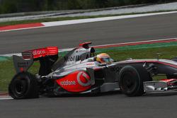 Льюис Хэмилтон, McLaren Mercedes, прокол