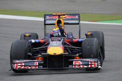 Ganador de la carrera Mark Webber, Red Bull Racing celebra