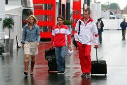 Isabell Reis, la novia de Timo Glock, Toyota F1 Team