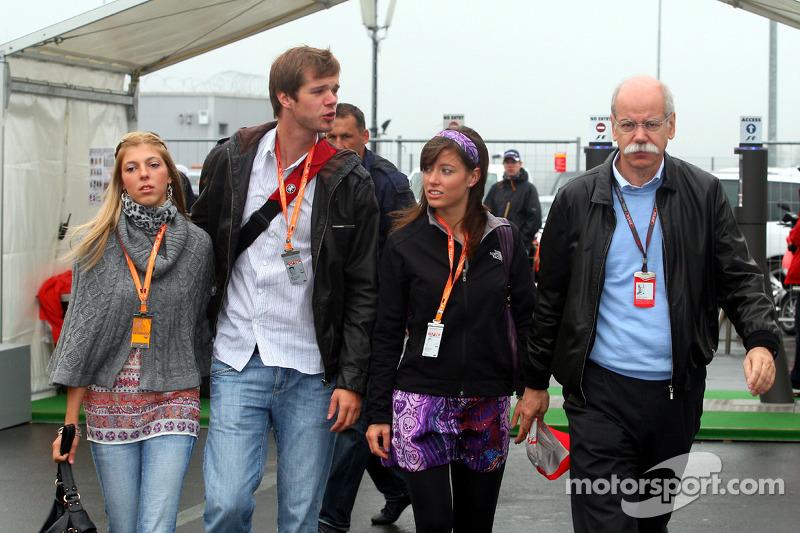 El Dr. Dieter Zetsche, Presidente de Daimler y familia