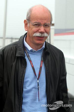 El Dr. Dieter Zetsche, Presidente de Daimler