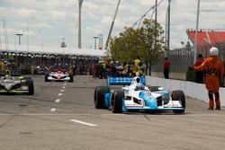 Tony Kanaan, Andretti Green Racing heads to pace laps