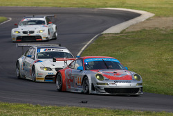 #44 Flying Lizard Motorsports Porsche 911 GT3 RSR: Johannes van Overbeek, Seth Neiman, #90 BMW Rahal Letterman Racing Team BMW E92 M3: Bill Auberlen, Joey Hand