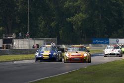 #47 Orbit Racing Porsche 911 GT3 Cup: John Baker, Guy Cosmo, #36 Gruppe Orange Porsche 911 GT3 Cup: Wesley Hoaglund, Bob Faieta