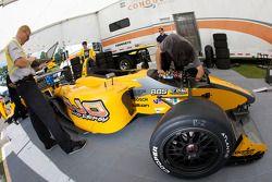 Conquest Racing team members prepare the car of Matt Lee