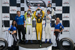 Podium: race winner Simona De Silvestro, Team Stargate Worlds, second place John Edwards, Newman Wachs Racing, third place Borja Garcia, Condor Motorsports