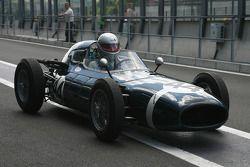 #44 Richard Parnell (GB) Walker Climax, 1960, 2500cc; Al Francis 'attempt in F1 design