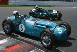 #5 Richard Pilikington (GB) Talbot-Lago T25, 1950, 4500cc; #8 Brian Horwood (GB) Cooper Bristol Mk I, 1952, 2000cc