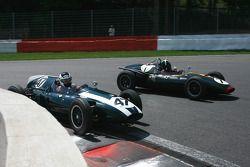 #47 Brian Jolliffe (GB) Cooper T45, 1958, 2000cc; #7 Nick Eden (GB) Cooper T45, 1958, 2000cc
