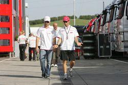 Timo Glock, Toyota F1 Team y Jarno Trulli, Toyota F1 Team