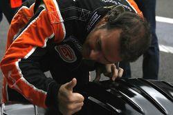 Jacques Villeneuve's friendly waive to teammate Vincent Radermeker
