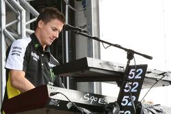 James Toseland, Monster Yamaha Tech 3 atiende a los fans