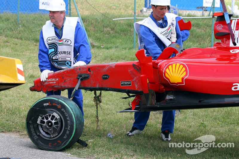 El Ferrari de Felipe Massa después del accidente
