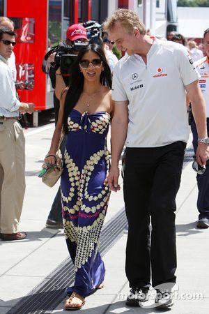 Nicole Scherzinger, chanteuse des Pussycat Dolls et petite amie de Lewis Hamilton, McLaren Mercedes