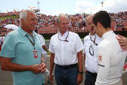 Dietrich Mateschitz, dueño de Red Bull y Helmut Marko, Red Bull Racing, asesor de Red Bull de Sebast