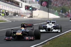 Sebastien Buemi, Scuderia Toro Rosso, Nick Heidfeld, BMW Sauber F1 Team
