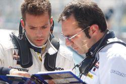 RicardoTeixeira parle avec son ingénieur
