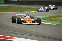 Rowland Kinch, Arrows A2
