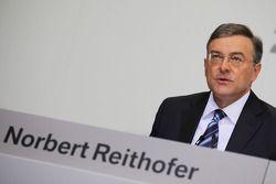 Dr. Norbert Reithofer (Yönetim Kurulu Başkanı, BMW AG)