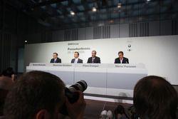 Dr. Norbert Reithofer (Yönetim Kurulu Başkanı, BMW AG), Dr. Klaus Draeger (head, development), Dr. M