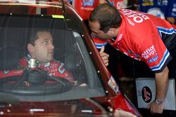 Tony Stewart, Stewart-Haas Racing Chevrolet talks with crew chief, Darian Grubb