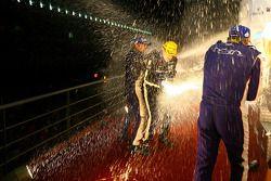 LMP2 podium : célébrations au champagne
