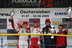Ganador de la Carrera Jules Bianchi, ART Grand Prix Dallara F308 Mercedes, el segundo lugar Valtteri