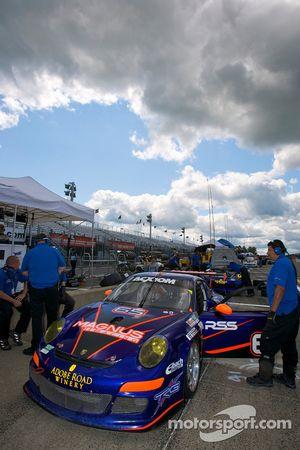 TRG Porsche GT3 N°68 : Josemanuel Gutierrez, Scott Schroeder