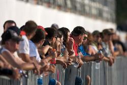 Des fans prêts pour la séance