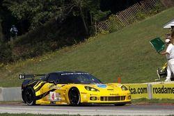 #4 Corvette Racing Chevrolet Corvette C6.R: Olivier Berretta, Oliver Gavin