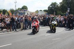 Ники Хейден, Ducati Marlboro Team и Джеймс Тоузленд, Monster Yamaha Tech 3