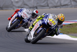 Valentino Rossi, Yamaha Factory Racing; Jorge Lorenzo, Yamaha Factory Racing